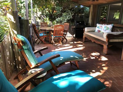 Outdoor Lanai with Loungers, Day Bed and Dining Table