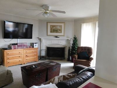 Photo for 2 Bed 2 Bath Condo(1000 SF) w/ Full Kitchen, Living, Dining, laundry in unit.