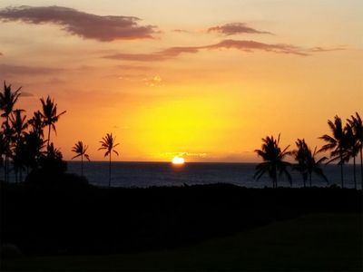 Photo for Embrace tasteful Hawaii Island style in this roomy condo with gourmet kitchen and private lanai for