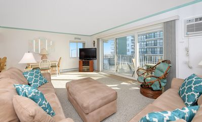 Amazing Views From This 2 Bedroom Ocean Front Condo!