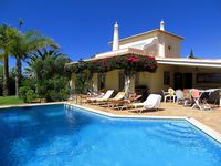 Very well appointed Villa which was ideal for our family gathering (7 adults, 1 infant)
