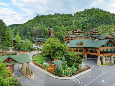 Photo for May 17th - 24th, 2019 ~ Great Discount Villa In The Beautiful Smoky Mountains