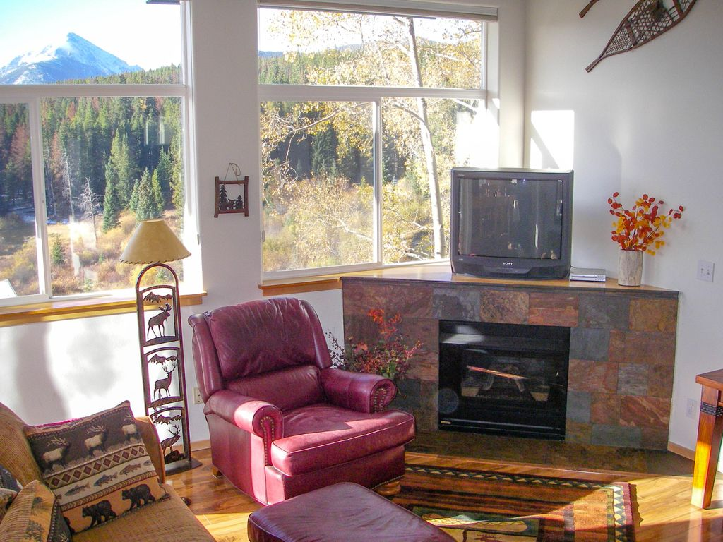 Breathtaking views with private hot tub and dual master for Dual master bedroom