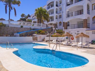 Photo for Spacious 2 bed holiday apartment in Calahonda