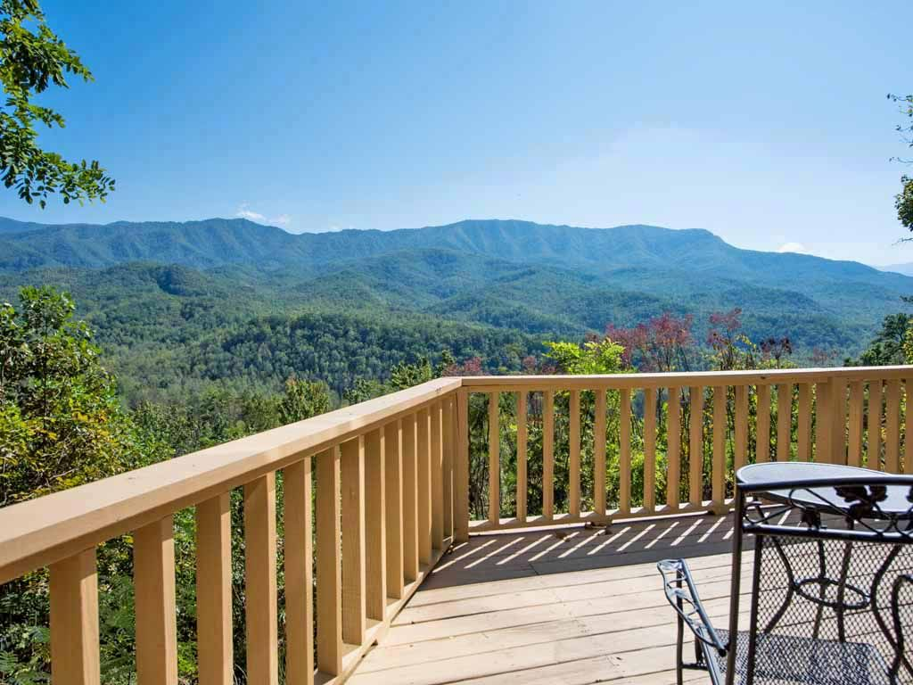 Woodshed 2 Bedrooms Sleeps 5 Mountain View Jetted Tub
