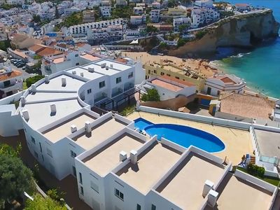 Photo for Townhouse with sea view, pool, 250m to the beach and center of Carvoeiro
