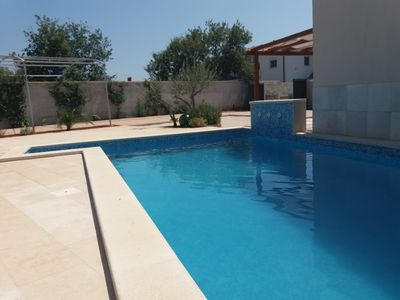 Photo for Charming house with private pool near the sea for 4+1 person
