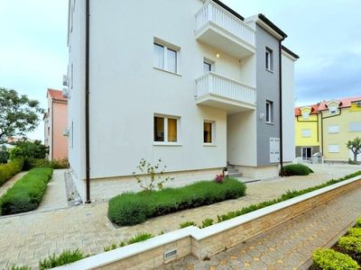 Photo for 2BR Apartment Vacation Rental in Srima, Dalmatien