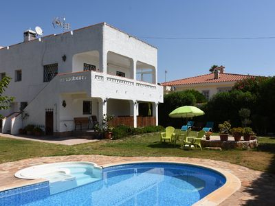 Photo for Villa with pool and private garden, 300 m. from the sea and with WiFi