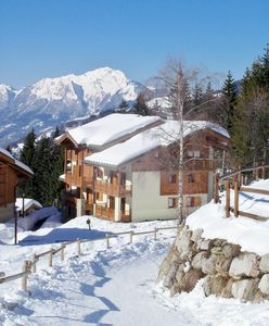 Photo for Apartment 6 People Crest Voland 250m from the slopes. Heated pool