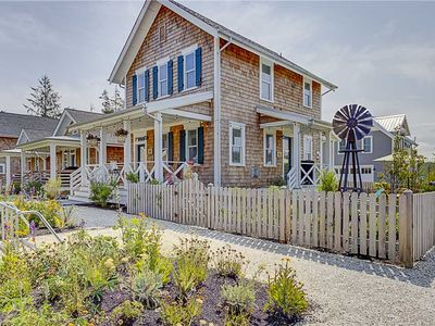 Photo for The Hitching Post: 3 BR / 2.5 BA seabrook in Pacific Beach, Sleeps 8