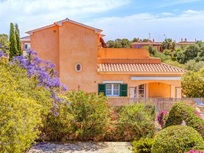 Photo for Fantastic Holiday Home with Pool, Wi-Fi and Terrace; Parking Available