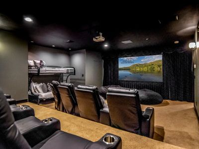 6000 sq ft! Theater * Hot Tub * Huge Yard * Game Room * Xbox * Fireplace