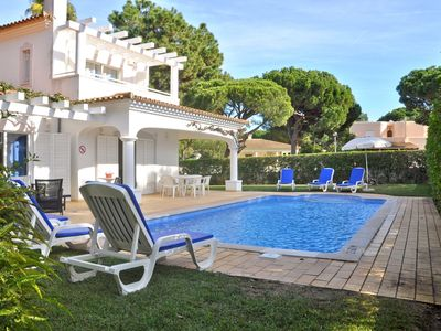 Photo for Comfortable holiday home with private swimming pool in Vilamoura