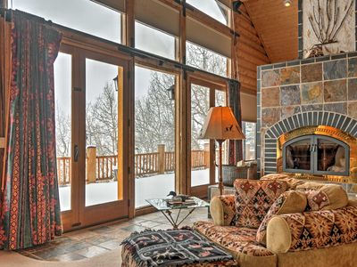 Brian Head Cabin Minutes from Slopes w/ Game Room!