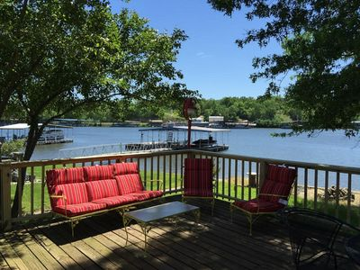 Photo for Spacious 3 Bedroom House Right on the Lake!