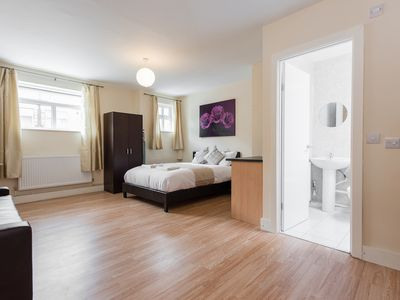 Photo for *25% OFF* Studio Apartment, 20 minutes away from London Bridge