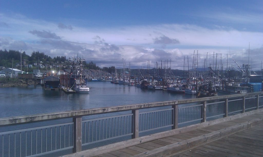 Beautiful on beach siletz bay front lincoln city condo for Fishing in lincoln city oregon