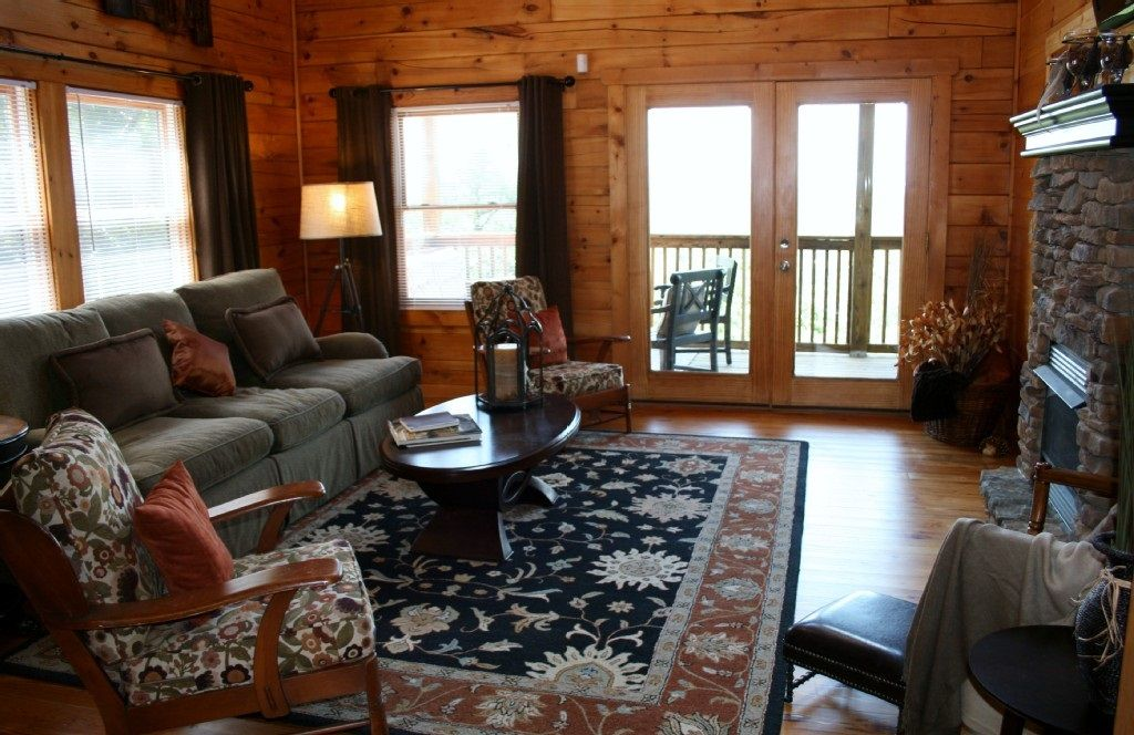 luxury decor & the best views; only 10 minutes from the parkway