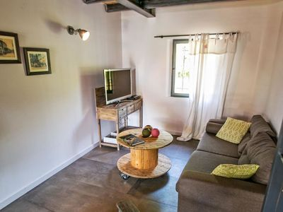 Photo for Apartment Le Mas de la Scierie in Les Baux de Provence - 6 persons, 3 bedrooms
