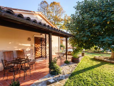 Photo for Beautiful apartment in villa for 2 people with WIFI, pool, pets allowed, panoramic view and park...