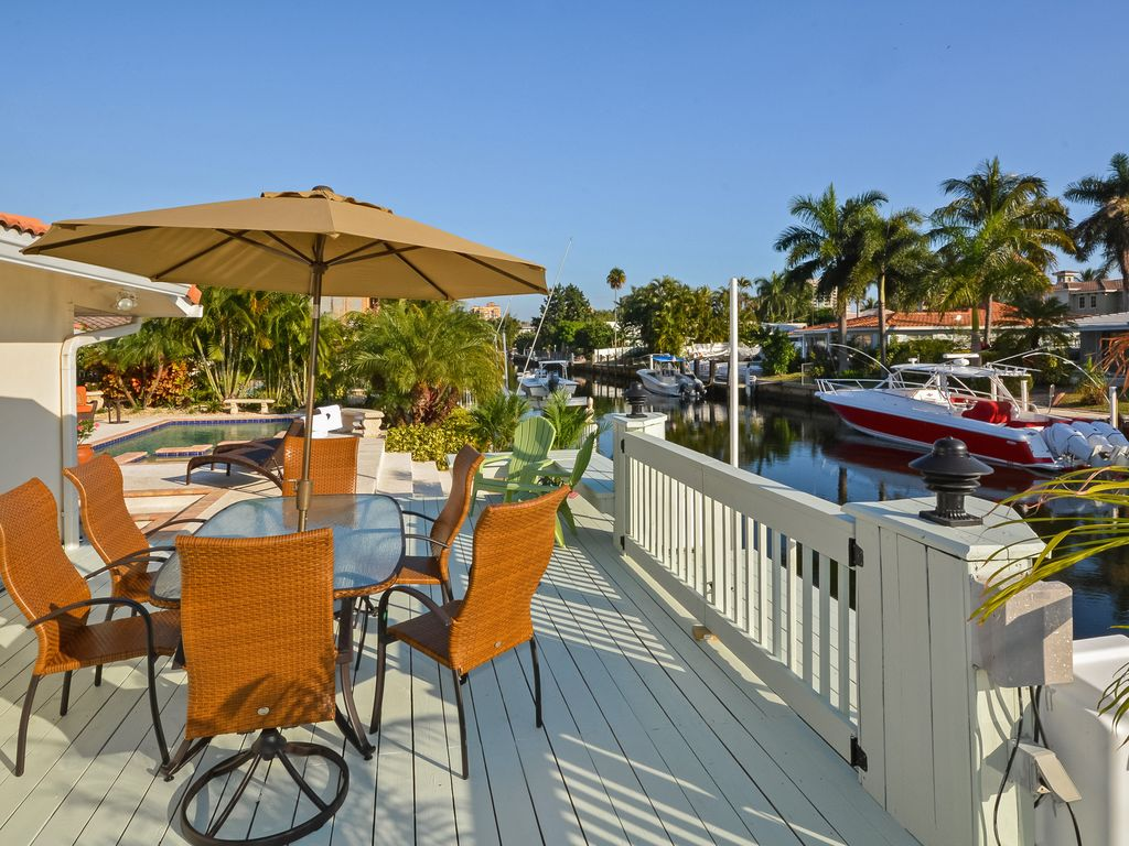 WATERFRONT With Heated Pool and Jacuzzi Spa Season Specials ...
