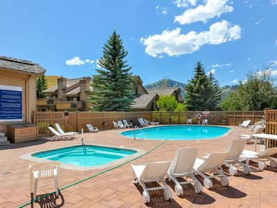 Photo for Newly-renovated ski view condo w/ shared pool, hot tub, tennis, game room