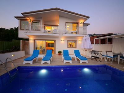 Photo for Luxurious Secluded Two Bedroom Villa with Heated Pool