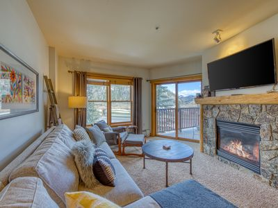 Photo for Mountain view condo w/shared hot tub, sauna, & gym. Walking distance to lifts