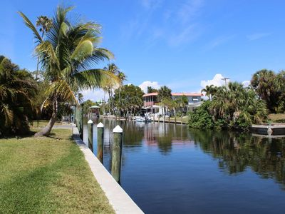 THREE Minutes to Open Water! Fantastic, Remodeled Fishing Retreat on Gulf-Access Canal, Free Wifi!