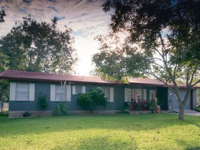 Photo for Great New Listing; Less Than 2 Miles From Main Street