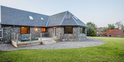 Photo for Beautiful relaxing house in fantastic peaceful location near Dundee with hot tub