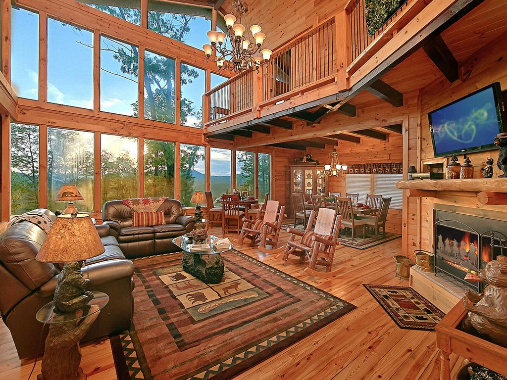 Large Luxury Cabin With Spacious Decks With Homeaway