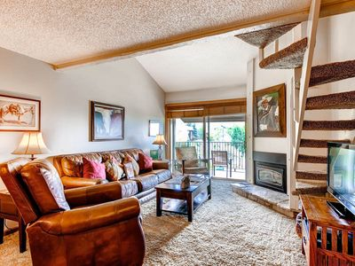 Ideally located ski-in/ ski-out condo with on-site amenities plus winter shuttle!