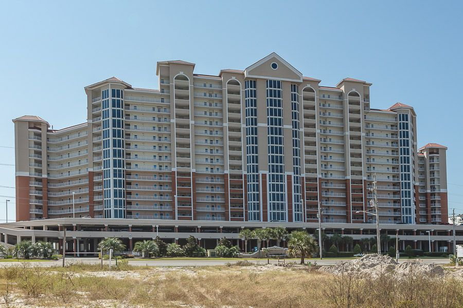 Lighthouse #201: 3 BR / 3 BA condo in Gulf Shores, Sleeps 8
