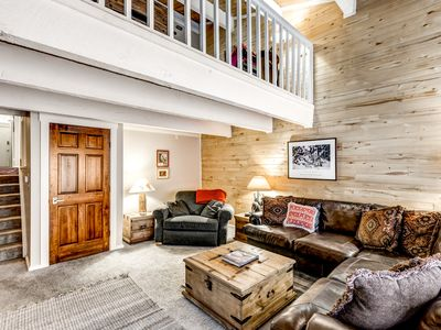 Family Friendly, spacious split level townhouse in Steamboat Springs