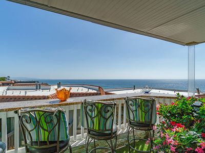 Photo for Seascape Chateau Top Floor Ocean View to La Jolla