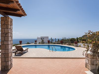 Photo for Sea view ★Lux★ Property Bluebell with Private Pool & 1 km to Beach!