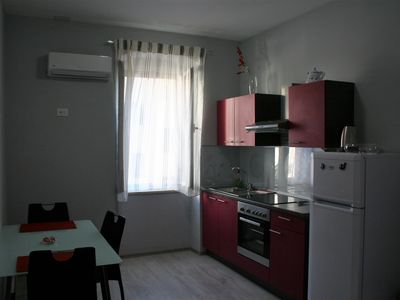 Photo for Apartman close to Bačvice beach.Pavelin apartments(Purple)