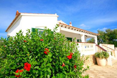 Lovely villa with 3 bedrooms and 2 bathrooms