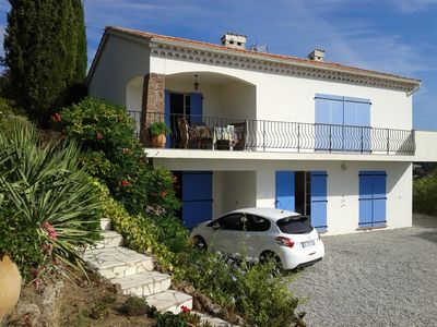 Photo for Villa with stunning sea views