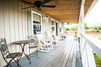 The great porch! Beautiful hill country views.