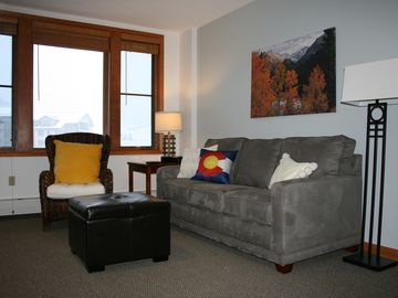 Zephyr Lodge Ski In/Ski Out 1 BR/1 BA Full Kitchen New King Bed and Sofa Bed