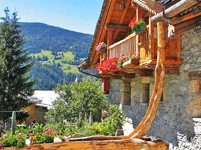 Photo for Luxurious chalet with sauna und open fireside