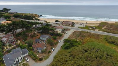 Ocean & Mtn Views / Hiking / Surfing / Family Friendly / 150 yards from beach