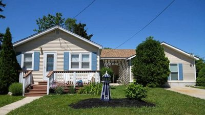 Photo for St Johns-*ASK ABOUT DISCOUNTS*Dog Friendly-Fenced Yard- Pool-4 blocks to bay