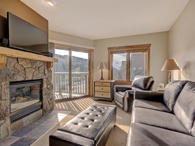 Photo for Updated Slopeside 2 Bedroom with Views of the Mountain! 60 Second Walk to the Gondola!