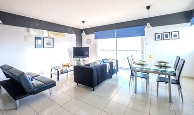 Photo for Specious 2bed Flat at Makenzie Beach
