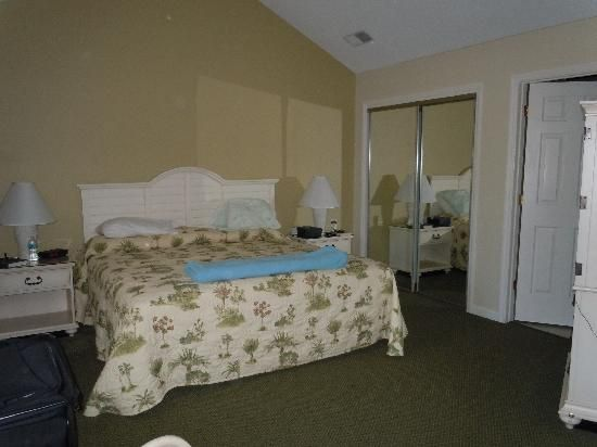 Late Summer 3 Bedroom Condo Townhouse Unit In The Gated Shipyard Plantation Hilton Head South