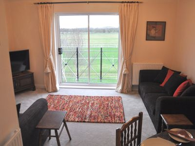 Photo for Close to Town Centre, an easy walk. 3 Bedrooms, 5 beds, sleeps 6 +